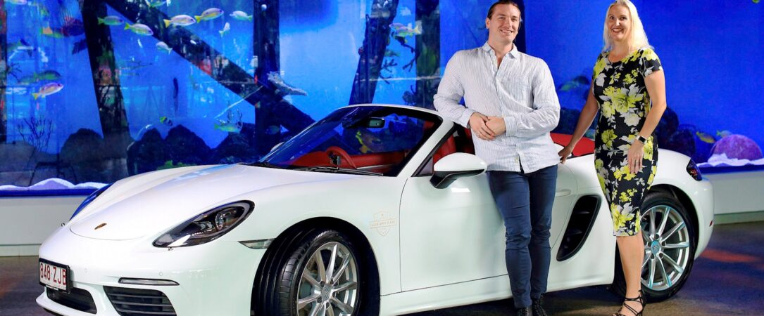 luxury car hire cairns